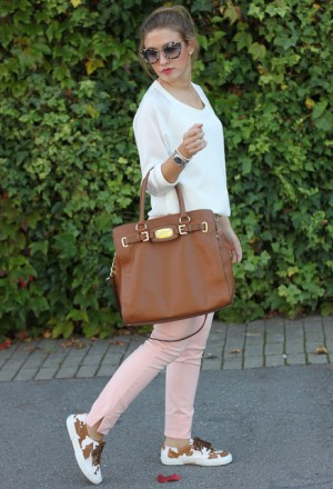 michael-kors-brown-superga-bags~look-main-single_f82d6.jpg
