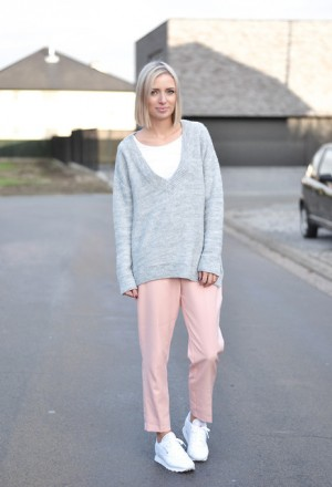 zara-sweaters-reebok-pants~look-main-single_74363.jpg